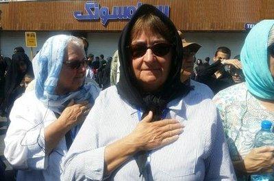 Iranpressnews ايران پرس نيوز عکس دادن چلوکباب نذری به زن بدحجاب خارجی ایران اینترنشنال یک رسانه خصوصی و مستقل است که از لندن به سراسر دنیا گزارش میدهد. iranpressnews